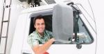 Водитель с грузовым авто